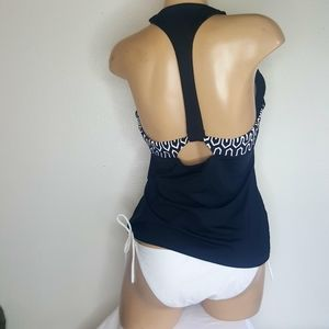Seafolly black & white 2 piece swimsuit size L